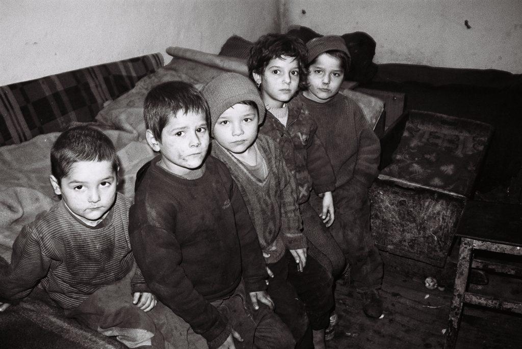 1998 Roemenië, arm gezin in Bosanci